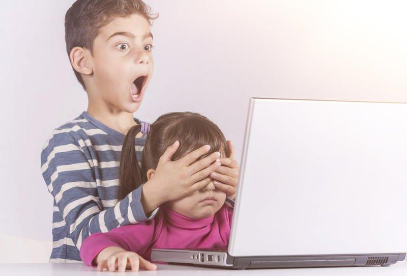 تراقب أولادك على الإنترنت