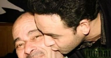 مصطفى قمر ووالده