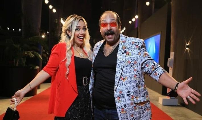 محمد ثروت وزوجته منى جمال