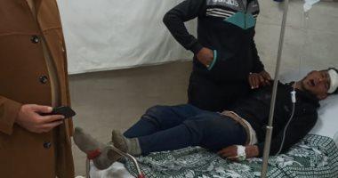 أحد المصابين بعد نقله إلى المستشفى