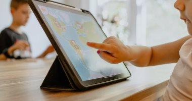 الأطفال والاجهزة الذكية