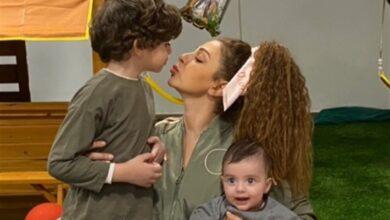 ميريام فارس مع ابنيها