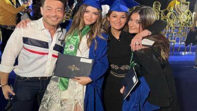 أحمد زاهر وزوجته في حفل تخرج ملك وليلى