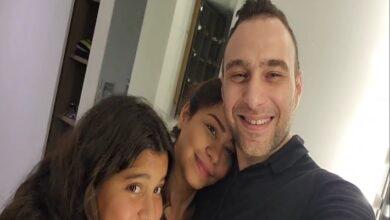 حسام حبيب مع شيرين وابنتها