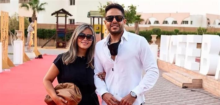 حماقي وزوجته