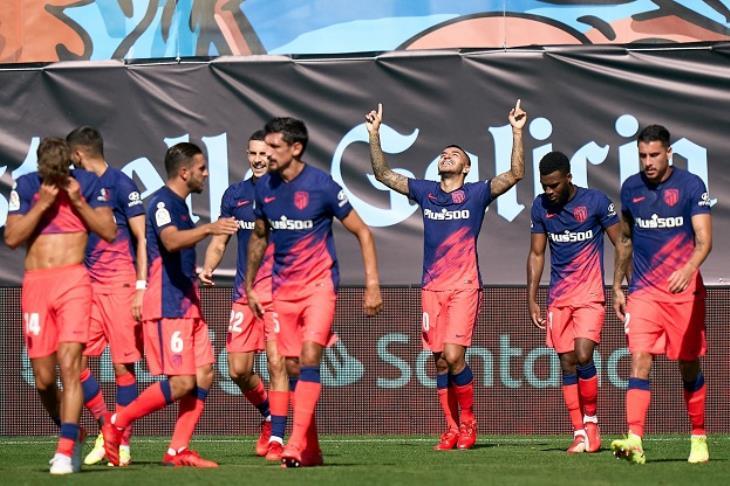 احتفال لاعبو أتلتيكو مدريد أمام سيلتا فيجو