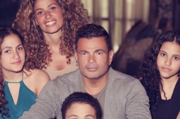 بنات عمرو دياب يرفضن حضور حفل زفافه