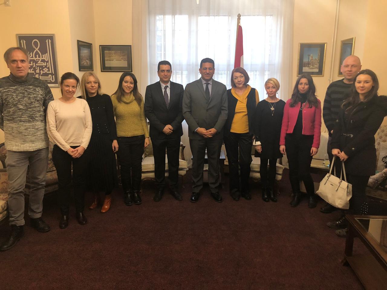 وفد اعلامي صربي مع السفير المصري