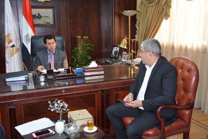 هاني أبو ريدة وزير الرياضة مع أحمد شوبير نائب رئيس اتحاد الكرة